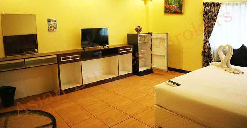 Pattaya Beach Road 18-Room Guest House for Sale   ThaiBizPost com